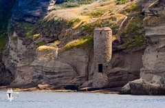Capraia - 10325 (Roberto Miliani / Pelagos.it) Tags: park trekking walking island hiking ile national tuscany toscana isola capraia camminare parconazionale arcipelagotoscano biowatching