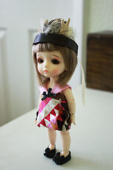 Feather Crown with Antlers (nettle.) Tags: yellow handmade lea nettle basic latidoll lati gupr bjd