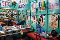 Beauty salon - Sihanoukville, Cambodia (Maciej Dakowicz) Tags: ladies sea mirror asia cambodia sihanoukville hairdresser centralmarket beautysalon psarleu