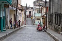 per le vie di santa clara (mat56.) Tags: life street people urban panorama landscape strada cuba via persone santaclara urbano antonio vita caraibi mat56 romei