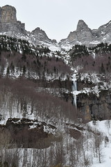 Icicles at Ordesa and Monte Perdido. (Carlos Sanchis) Tags: espaa snow nature spain huesca nieve icicles pyrenees pirineos ordesa monteperdido carmbanos