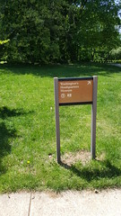 2016-05-20 - Washington's Headquarters - sign pointing towards museum (zigwaffle) Tags: history newjersey nj americanrevolution morristown georgewashington 2016