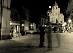 Ragusa (moniq84) Tags: ragusa piazza duomo bianco nero black white people long exposure lights luci sicilia sicile sicily ibla nikon sud italia south southern isola island citt city ville streets street place ghosts ghost scie fantasma fantasmi movimento lampioni lampione lamp