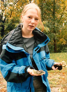Ulla Valk '03 Displays a Find During a Biology Class