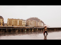 (sonyacita) Tags: people umbrella spain rainy sansebastian walkers picnik donostia cinemascope