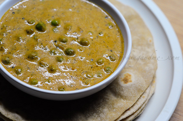Kerala-Style Peas Masala Recipe | Green Peas Masala Recipe