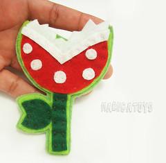Planta Carnvora (broche) (Maenga Toys - Cris Corra) Tags: toys pin broche mario feltro bros sorvete plantacarnvora acessrios maenha