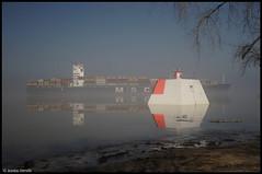 navire & brume (Jeanluc Verville) Tags: mist water landscape eau paysages navigation brume ambiance nicolet quebec