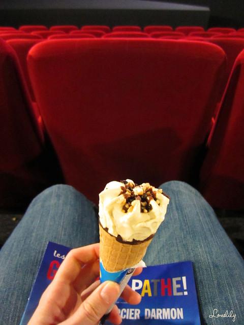Manger une glace au cinéma