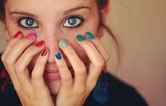Colores (Daniela Tad) Tags: portrait selfportrait color girl self retrato adolescente colores teenager autorretrato colourfull