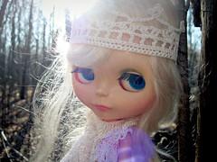 Sun bubble (mademoiselleblythe) Tags: sun white vintage doll crochet queen bubble crown kenner blythe 1972 magical jaszmade madamezecat platinumblondemohairreroot