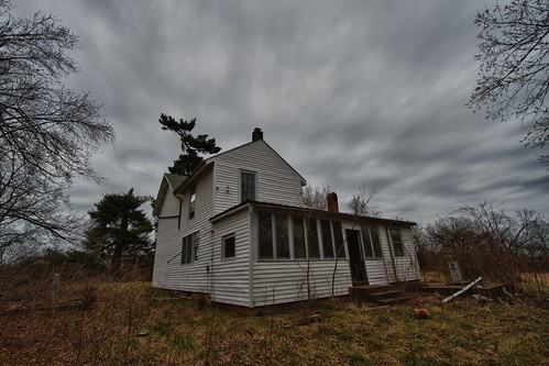 Abandoned FarmHouse in St. Charles