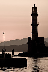 Silhouettes (Lucille-bs) Tags: lighthouse silhouette port europe creta greece hania phare grce quai xania spia chania kriti crte canea lacane