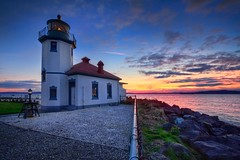 Another Alki Lighthouse Sunset (Fresnatic) Tags: sunset westseattle alkibeach washingtonstate hdr elliotbay seatlle westcoastlighthouses alkipointlighthouse lighthousetrek canonrebelxsi lightkeeperaward lighthousesofwashingtonstate fresnatic photoshopcs5 pugetsoundlighthouses