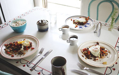 {120:366} (Sarah Jane- Lovely Ember Photography) Tags: kitchen coffee breakfast vintage sweetpotatoes 366 sausagetoo aquachairs potatoesegg popcornwithparmesanpepper