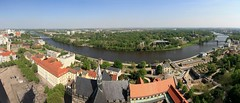 die Elbe (diwan) Tags: street city sky panorama tower canon buildings river germany geotagged deutschland eos place stitch cathedral dom horizon himmel magdeburg stadt turm birdseyeview elbe horizont panoramix 2012 fotogruppe saxonyanhalt sachsenanhalt magdeburgerdom canoneos450d microsoftimagecompositeeditor fotogruppemagdeburg geo:lon=11633948 geo:lat=52124724