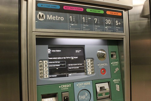 how to use rail ticket machines