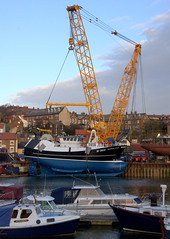 H-360 Guiding Star about to enter the Water (yogi59) Tags: new england mobile river star marine britain crane yorkshire united great north kingdom east whitby 1200 hull launch build trawler ton guiding esk sarens gottwald parkol h360 ak6803
