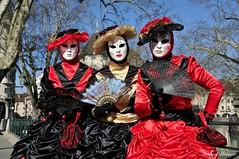 Yvette, Marie-Claire et Marie-Christine (joménager) Tags: annecy costume nikon passion carnaval f28 afs masque hautesavoie 1755 rhônealpes d300s vénitien