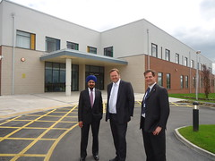 "Stephen Mosley MP visits new ICU at Countess of Chester Hospital • <a style=""font-size:0.8em;"" href=""http://www.flickr.com/photos/51035458@N07/13902312819/"" target=""_blank"">View on Flickr</a>"