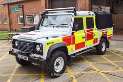 Surrey Fire & Rescue Landrover LJ15 SWY (policest1100) Tags: rescue fire surrey landrover swy lj15