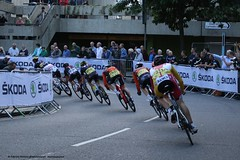 Leaning into the corner (Fabrizio Malisan Photography @fabulouSport) Tags: portsmouth cycling race bikerace pearlizumi tourseries 2016 criterium ciclismo procycling britishcycling pro professional cyclists hampshire racing fast leaning corner cornering team