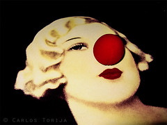 Clown nose (Carlos Torija) Tags: girl bar table real nose pub drawing interior clown indoor unreal dibujo payaso nariz optic carlostorija