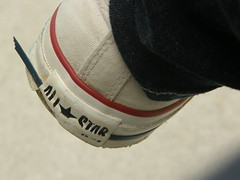 Converse (woeir123) Tags: old white faded converse worn allstar chucks