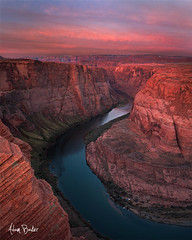 colorado curves ([Adam Baker]) Tags: sunrise canon az canyon page coloradoriver 1740l horseshoebend adambaker 5dmkii