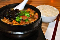 beef brisket hot pot (Ian Riley) Tags: food mushroom soup restaurant rice beef tofu chinese kingdom australia broccoli choy noodle sa southaustralia sum vermicelli brisket doufu