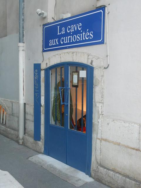 Lyon, Bellecour - La cave aux curiosités, février 2012