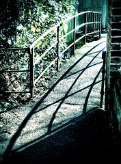 Shadowbridge (elkie v7.1) Tags: camera bridge shadow hertford soemo iphone4s