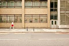 Runner - Elephant & Castle (loicsans) Tags: street city urban london geometry m8 symetry rue geometrie symetrie 35mmsummicronasph leicam8 loicsans