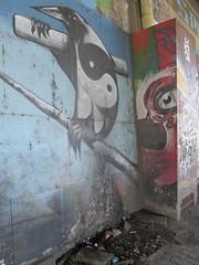 IMG_3941 (Mud Boy) Tags: españa streetart bird river graffiti sevilla spain guadalquivir mural europe seville andalusia yinyang raven yinandyang 阴阳 陰陽 yīnyáng canaldealfonsoxiii estacióndeautobusesplazadearmas estacionesdeautobuses iberianpeninsulainsouthwesterneurope plazadearmasestacióndeautobusessevilla autobusesplazadearmas puentedelcristodelaexpiración41001sevillaspain spanningtheriverguadalquivirandrepresentsthenaturaloutletofthecitytothealcorandtheprovinceofhuelvawasbuiltin1991 puentecristoexpiracion puentedelcristodelaexpiraciónsevilla urbanbridgeinthecityofsevilla meandrodesanjerónimo