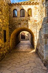 Pals (Cristian-Z) Tags: old travel travelling tourism town nikon antique explorer arc places pals catalonia medieval catalunya visiting amateur vacancy antic poble travelphotography 1835mm apsc d7200