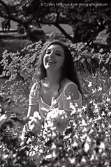 DSC_1314+ (SuzuKaze-photographie) Tags: portrait bw woman france lyon bokeh femme nb shooting dor parc swirly tte suzukazephotographie