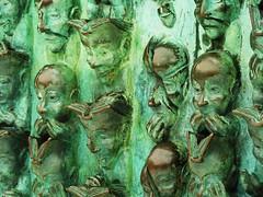 la rochelle, art moderne, bruce kreebs (thierry llansades) Tags: ocean sun mer france art port moulin la canal chat hiver bruce atlantic 17 sculture larochelle tours francia charente rochelle krebs poitou atlantique artmoderne poitoucharente aunis kreebs brucekreebs