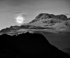 Nepali Dream (Naphat Ratanasakdi) Tags: nepal landscape nikon d3 himalayan sarangkot blackwhitephotos
