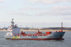 Yara Gas II . Leaving TeesPort (peter harris41) Tags: norway ships shipping norwegianflag tanker peterharris rivertees teesport redcarcleveland pdports yaragasii