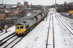66557 Blackburn 12.1.10. M Ainsworth. (Blackburns Railway Scene) Tags: snow lines photography railway blackburn covered heavy haul freightliner 66557 ainsworthbridgerailway