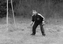 2012_03_18 - 12_26_08 - 6240 - LR3 - Flickr - 2 (Rossell' Art) Tags: barn football child kind criana enfant ni