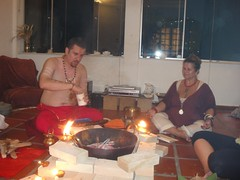 . (Instituto Naradeva Shala) Tags: de ritual dharma outono devi homa agni suddha mandalam
