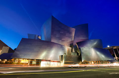 UNDER THE SKIN (Rober1000x) Tags: city longexposure usa architecture losangeles arquitectura steel architect bluehour frankgehry disneyconcerthall frankghery 2014 2013