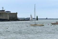 La passe de Lorient (stbaillon) Tags: sea mer boat marine bretagne phare navigation voilier lorient sailingboat citadelle portlouis balise