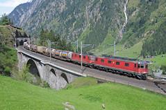 11677 & 11321 - Wassen Meienreussbrcke 10/05/16 (James Welham) Tags: switzerland sbb 66 re canton 44 uri wassen 11321 11677 gotthardbahn meienreussbrcke 420321 620077