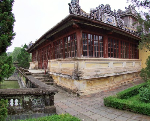 hue - vietnam 16