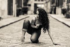 Feminidad (LACPIXEL) Tags: street paris france monochrome beauty town calle nikon flickr artist ciudad dancer beaut capitale nati fx rue ville belleza bailarina artista artiste feminity danseuse fminit feminidad d4s lacpixel