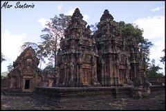 Banteay Srei (Mar Santorio) Tags: d50 temple nikon cambodia citadel siemreap ciudadela templo banteaysrei camboya ciudadeladelasmujeres womencitadel