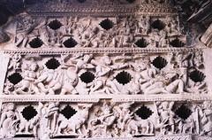 Poetry in stone (Ezhil Ramalingam) Tags: karnataka sculptures belur hoysala chennakesavatemple