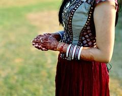 mehndi (Benjamin Skanke) Tags: woman india film tattoo analog vintage hands pentax takumar kodak indian slide medium format 24 100 6x7 punjab henna epp expired ektachrome canoscan 67 mehndi 120mm 105mm